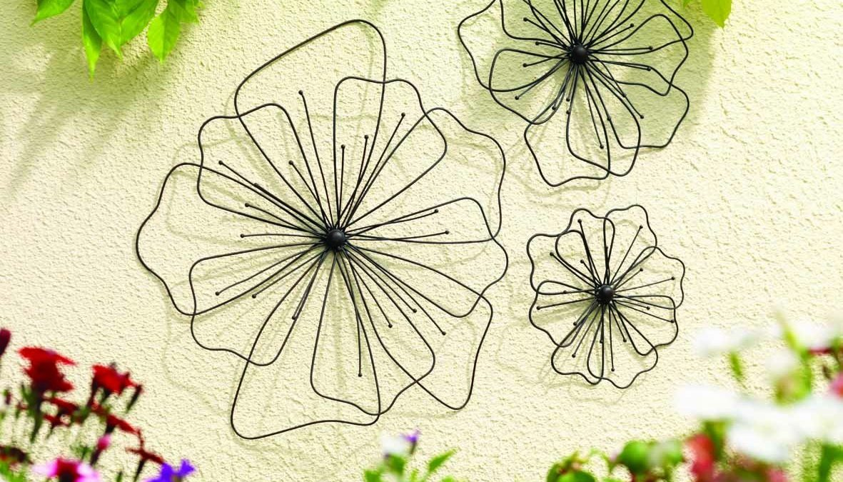 Decorative Outdoor Wall Hangings