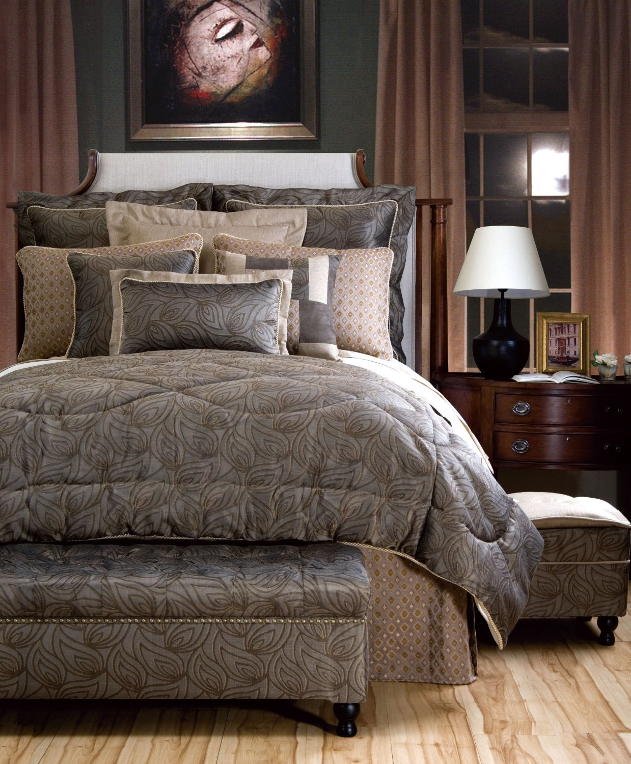 how to create a luxury master bedroom 18196 | luxury master bedroom bedding1