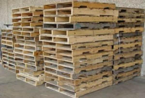 DIY Headboard From Wooden Pallets