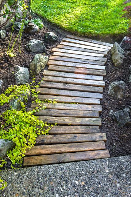 diy pallet garden walkway